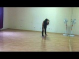 Танцевальный ролик: импровизация Юлии Мелёхиной (модерн)